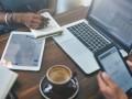 Digitaler Arbeitsplatz (Bild: Shutterstock/Rawpixel.com)