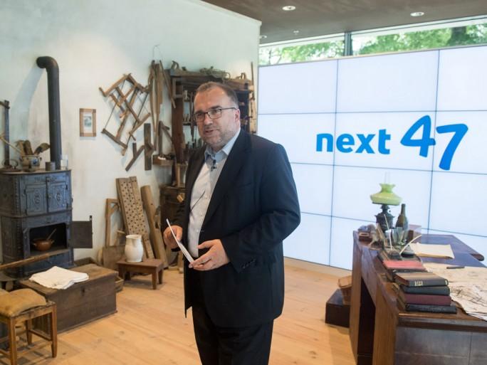 next47 ist Siemens neuer Start-up-Bereich. Technologie-Vorstand Siegfried Russwurm ist kommissarischer Leiter der neuen Innovationsschmiede. Zusammen mit Airbus sollen in next47 nun elektronische Flugzeugantriebe ermöglicht werden. (Bild: Siemens)