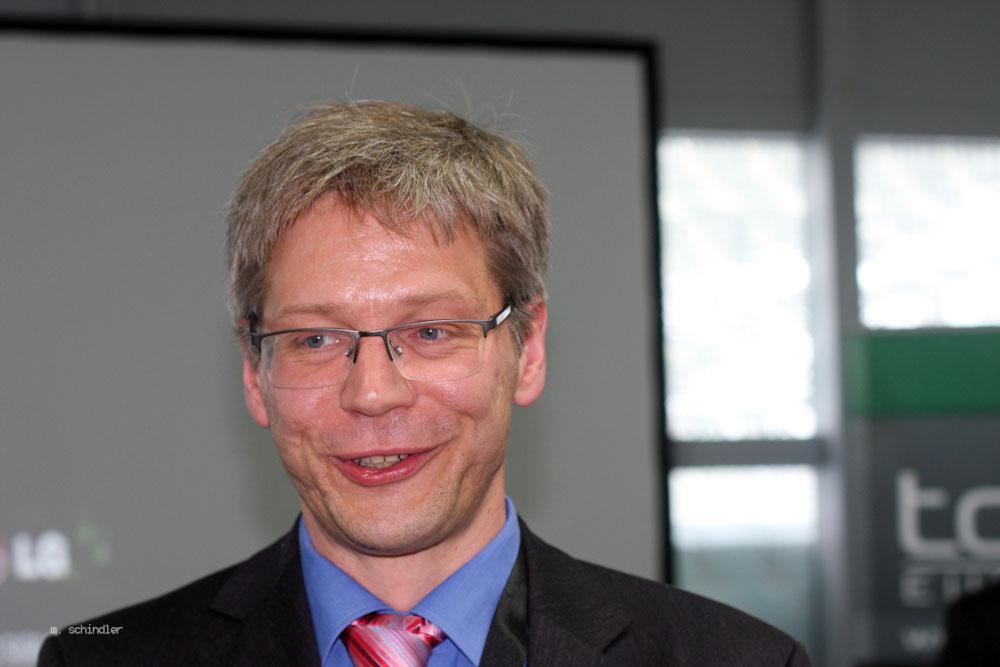 Dr. Henning Baars, Akademischer Oberrat für Wirtschaftsinformatik an der Universität Stuttgart, sieht in der Digitalisierung einen wichtigen Impuls und auch große Chancen für Business Intelligence. (Bild: Martin Schindler)