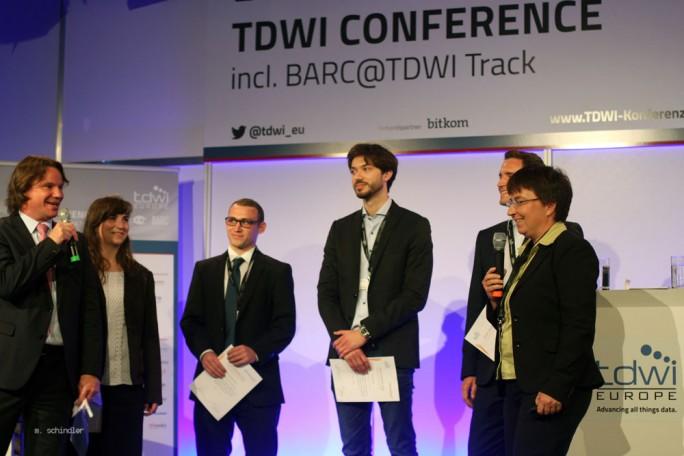 Preisverleihung im Juni bei der TDWI-Konferenz in München. Der Verein dotiert herausragende Arbeiten rund um das Thema BI. (Bild: Martin Schindler)