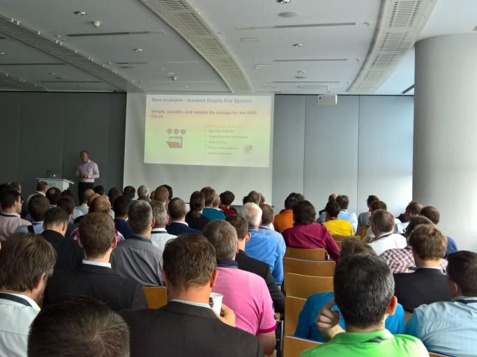 Regen Zuspruch fand beim AWS Summit in Frankfurt die Veranstaltung zu den Neuerungen bei AWS (Bild: Rüdiger)