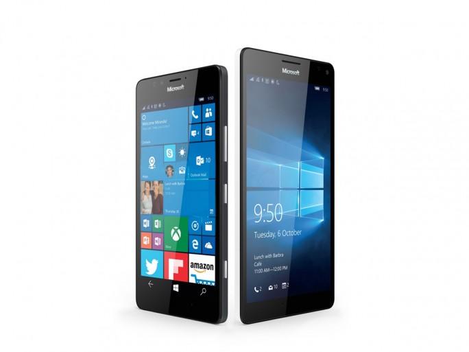 Schöne Geräte, dennoch keine Verkaufsschlager: Lumia 950 und 950 XL. Nun will sich Microsoft hier offenbar vollständig zurückziehen. (Bild: Microsoft)