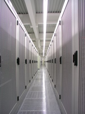 Ein Blick in das hochsichere Rechenzentrum der CANCOM-Tochter PIRONET. (Bild: Pironet)