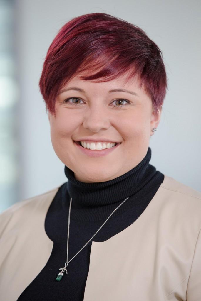"""Laura Geier, IoT & Analytics Commercial Lead bei Microsoft Deutschland: """"Wir wollen wirklich alles anbinden – bis hin zur Kuh auf der Weide."""" (Bild: Microsoft)"""