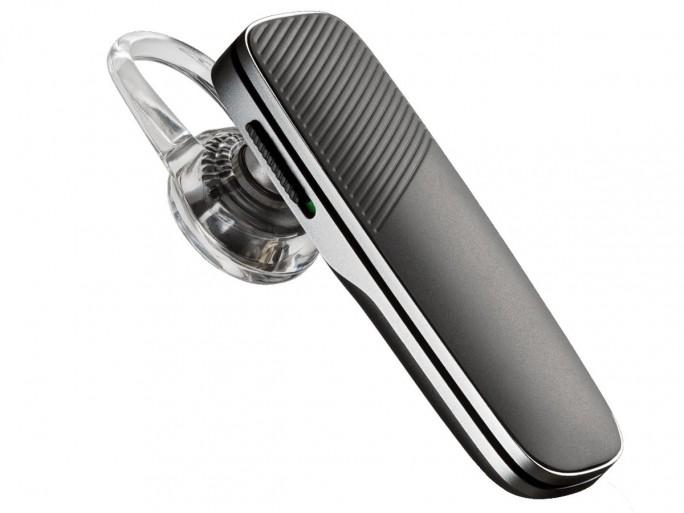 Das Headset Explorer 500 von Plantronics bietet hochwertige Sprachübertragung und leistungsfähige Geräuschunterdrückung (Noise Cancelling). Auf Wunsch teilt das Gerät Statusmeldungen, etwa zur verbleibenden Akkukapazität, als Sprachmeldung mit. (Bild: Plantronics)