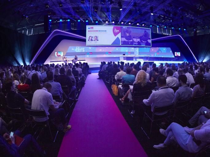 Keynote auf der demexco 2016 in Köln. (Bild: dmexco)