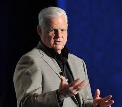 Joe Tucci, Chairman und CEO von EMC, verabschiedendet sich nach dem Abschluss der Übernahme in den Ruhestand (Bild: EMC)