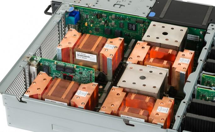 Der neue IBM OpenPOWER-Server S822LC richtet sich speziell an die Bedürfnisse des High-Performance-Computing. (Bild: IBM)