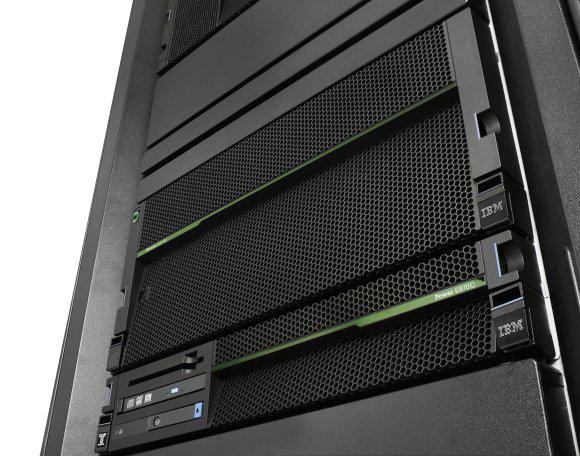 Der neue Power E870C richtet sich speziell an hybride Umgebungen und integriert ein OpenStack-Cloud-Management. (Bild: IBM)