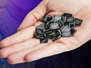 Der 2015 vorgestellte Curie-Prozessor ist ein wichtiger Baustein in Intels Bemühungen um den Markt für Wearables (Bild: Intel)