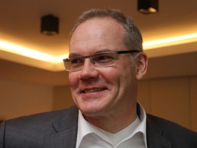Stefan Ried, Head of Technology Strategy und Chief Technology Officer bei Unify stellt sich vor allem die Frage, an welcher Stelle der Mensch als Faktor in der Digitaliserung eine Rolle spielt. In seiner Rolle als CTO von Unify kann er zumindest eine technolgoische Antwort geben. (Bild: M. Schindler)