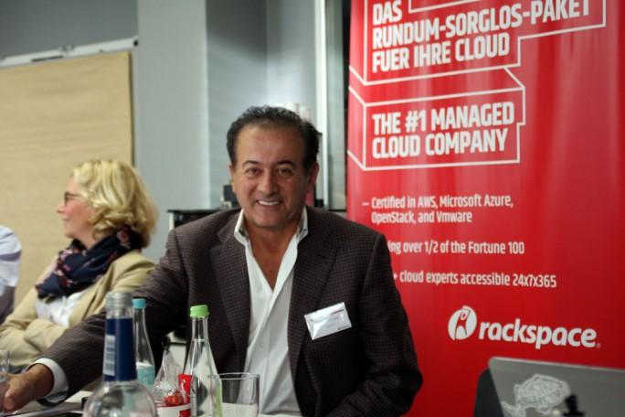 Alex Pinchev, EVP und President of Global Sales and Marketing, sieht wachsenden Bedarf von Unternehmen nach Managed Cloud Anbietern. Jetzt will Rackspace mit einem neuen Rechenzentrum in Frankfurt vor allem Dienstleistungen rund um VMware anbieten. (Bild: M. Schindler)