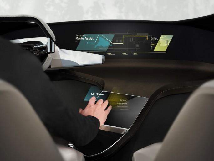 <strong>BMW experimentiert mit einer holografischen Steuerung im Fahrzeug-Cockpit. (Bild: BMW) </strong>
