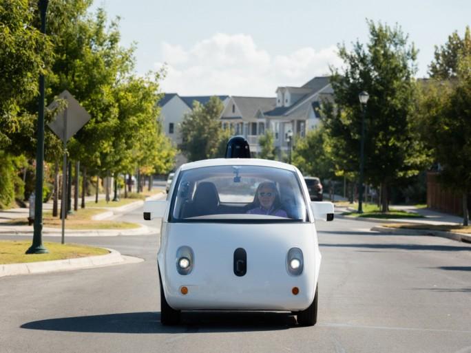 Eines der von Gogle zu Testzwecken gebauten, autonomen Fahrzeuge (Bild: Waymo)