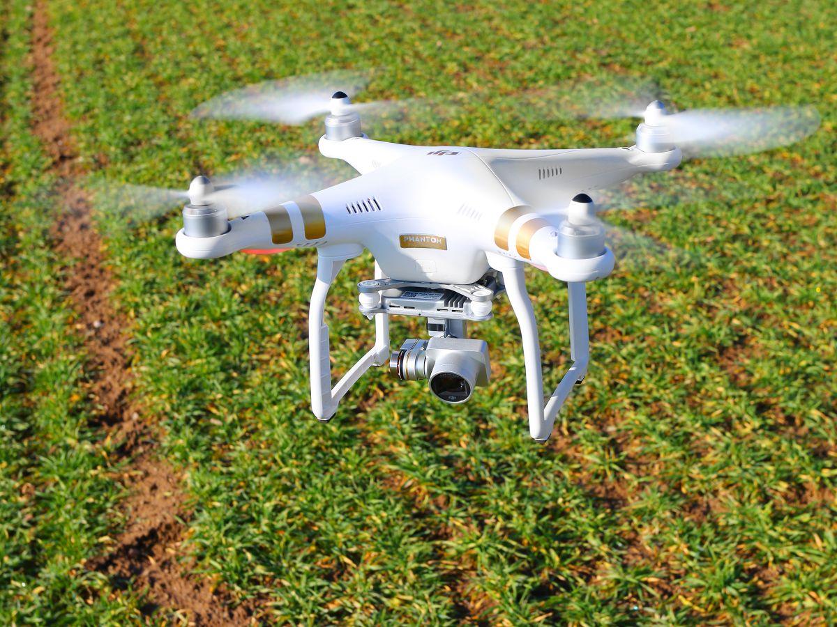Bundesverkehrsminister legt Regeln für Betrieb von Drohnen vor