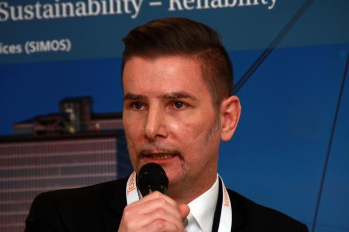 """""""Verfügbarkeit ist eigentlich nicht so entscheidend, wichtig aber ist die Vorhersagbarkeit"""", kommentiert Rainer Beller zum Thema Predictive Maintenance im Bahn-Verkehr. (Bild: Martin Schindler)"""