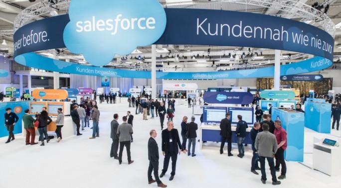 Salesforce war auf der CeBIT 2016 vertreten und macht mit seiner World Tour auch auf der CeBIT 2017 wieder Station (Bild: Deutsche Messe)