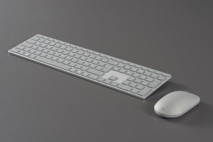 Surface Tastatur und Surface Maus sind in Deutschland ab 16. Januar im Handel (Bild: Microsoft)