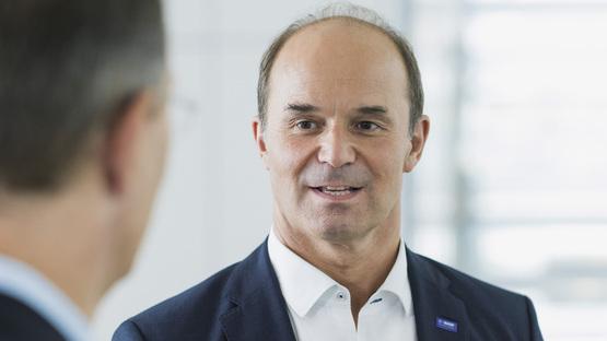 Dr. Martin Brudermüller, stellvertretender Vorstandsvorsitzender und Chief Technology Officer der BASF erwartet, dass Ergebnisse komplexer Fragestellungen künftig in Tagen und nicht mehr in Monaten vorliegen. (Bild: BASF)