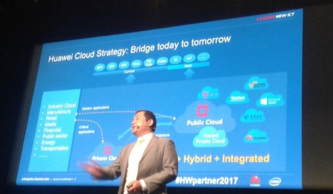 Jeff Jiang, VP Enterprise Cloud Business bei Huawei in Europa, konnte in Paris mit der Deutschen Telekom, Telefónica und Orange auf gewichtige, europäische Cloud-Provider verweisen, die Huawei-Technologie nutzen (Bild: silicon.de)