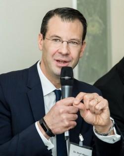 Rolf Werner, Vorsitzender der Geschäftsführung bei Fujitsu. (Bild: Tobias Giessen/IT-Meets-Press)
