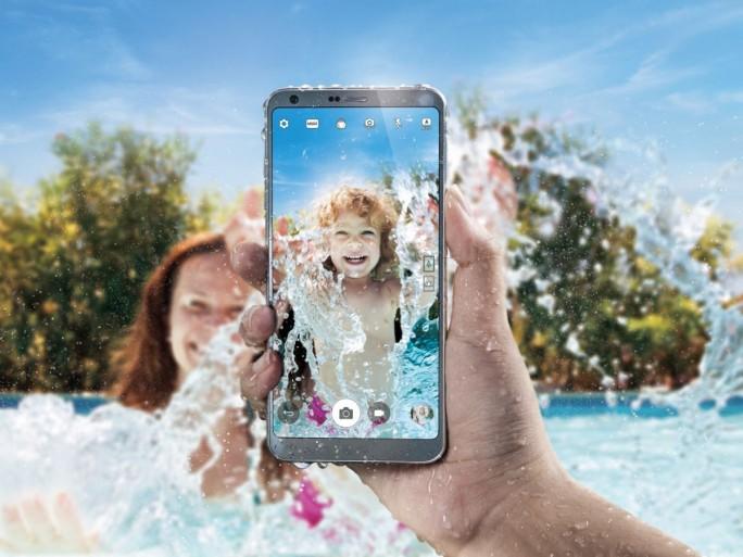Das LG G6 ist staub- und wasserdicht nach den Anforderungend er Schutzklasse IP68. (Bild: LG Electronics)