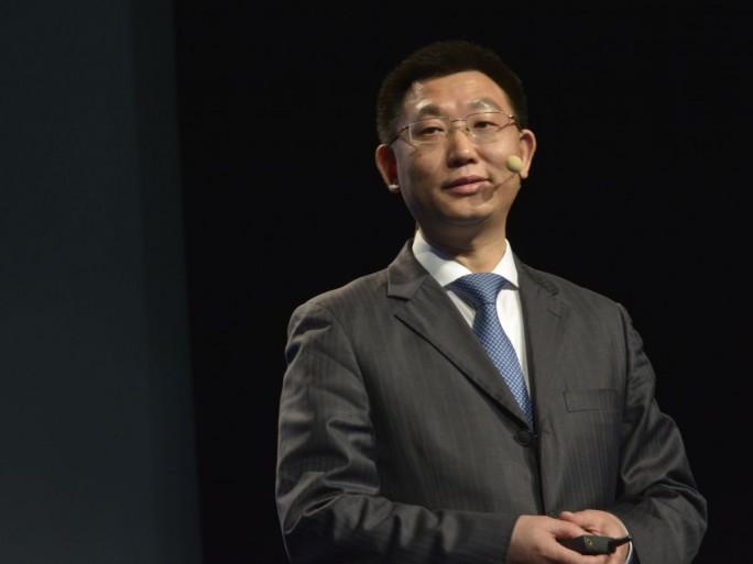 Leon He, Chef der Huawei Enterprise Business Group Europe, bei seinem Vortrag auf dem westeuropäischen Partner Summit des Unternehmens in Paris (Bild: Huawei)