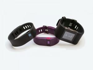 Fitbit gehört ebenfalls zu den neun nun von der Verbraucherzentrale NRW abgemahnten Anbietern von Werables und Fitnesstrackern. (Bild: Fitbit)