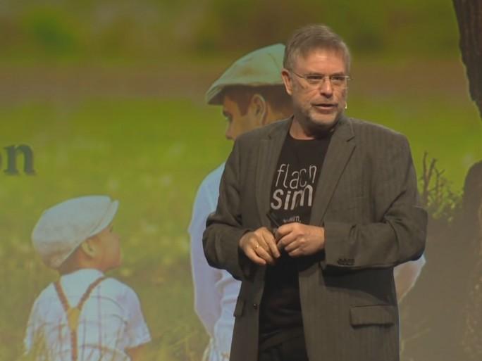 Gunter Dueck auf der Re:publica 17 (Screenshot: silicon.de bei Youtube)