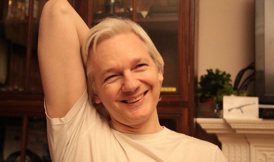 Julian Assange nach der Einstellung der Ermittlungen in Schweden gegen seine Person. (Bild: Wikileaks)