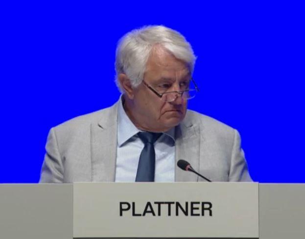 SAP-Aufsichtsratsvorsitzender Hasso Plattner verteidigt die hohen Managergehälter bei SAP. So werde der langfristige Erfolg und auch die internationale Wettbewerbsfähigkeit sicher gestellt. (Bild: SAP SE )