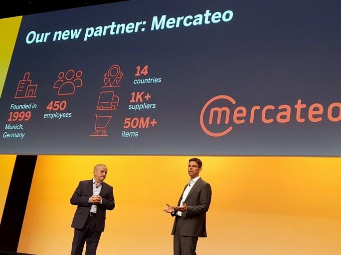 Paul Devlin, General Manager EMEA bei SAP Ariba und Dr. Bernd Schönwälder, Vorstand Markt und Vertrieb bei der Mercateo AG, präsentieren auf der SAP Ariba Live ihre neue Partnerschaft. (Bild: Stefan Girschner)