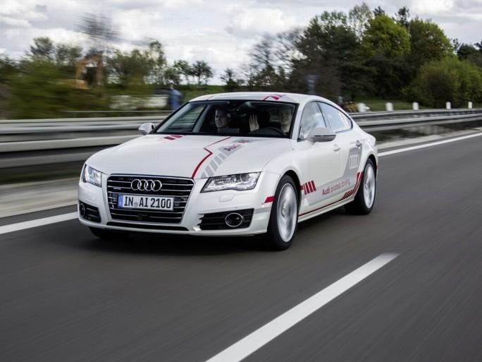Audi A7 piloted driving concept auf der A9 (Bild: Audi AG)