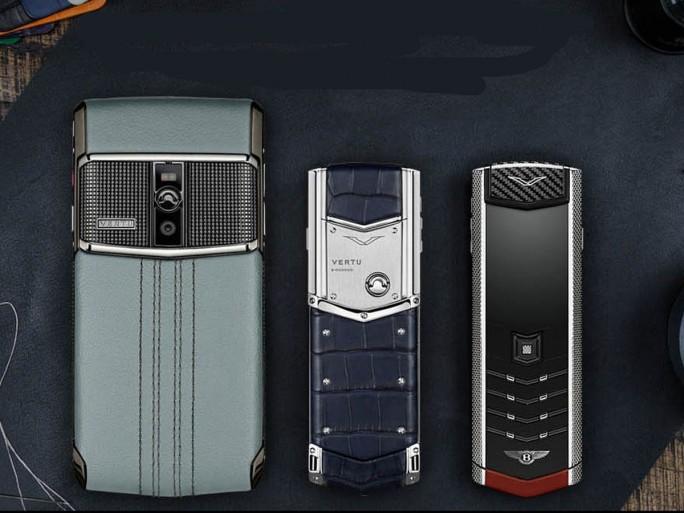 Auf Wunsch und gegen Aufpreis fertigte Vertu auch individuelle Telefone an (Bild: Vertu)