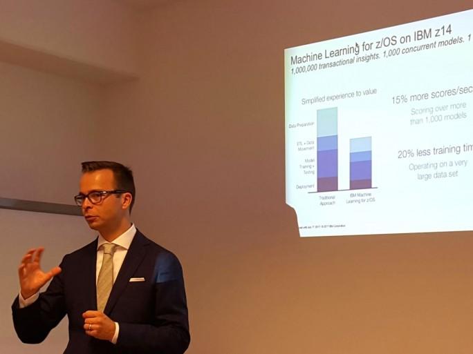 Andreas Thomasch, Business Unit Executive bei IBM Z DACH, sieht für die z14 großes Potenzial im Bereich Maschinelles Lernen, wo es besonders auf die Transaktionsgeschwindigkeit ankommt. (Bild: Stefan Girschner)