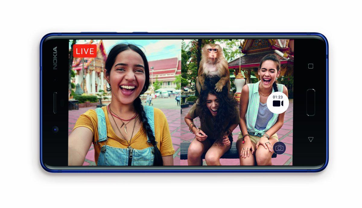 """Der """"Bothie"""" ist ein Selfie, der mit beiden Kameras gleichzeitig aufgenommen wird, bei dem also die vordere und hintere Kamera zu einem Foto oder Video kombiniert. werden (Bild: HMD Global)"""