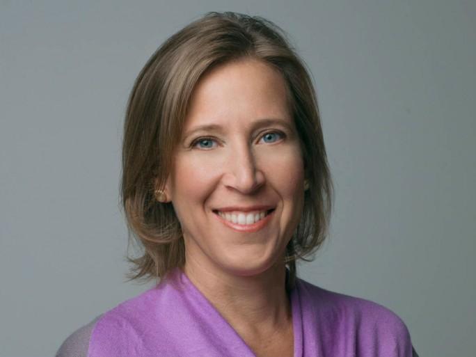 Susan Wojcicki will künftig härter gegen ungeeignete Inhalte auf Youtube vorgehen. Grund dafür ist vor allem die Kritik von Werbekunden. (Bild: Google)