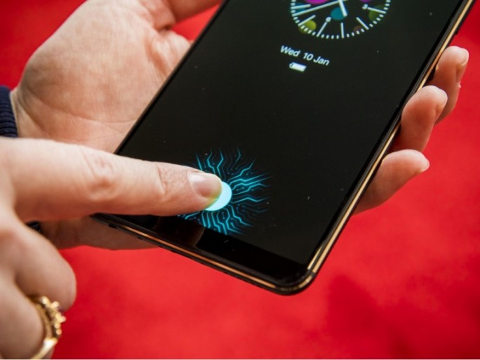 Vivo Smartphone, Fingerabdrucksensor im Display. (Bild: Cnet.com)