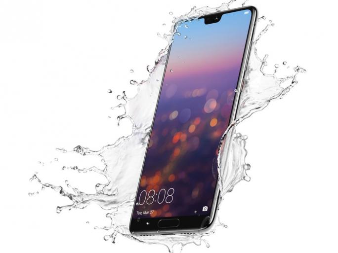 Das Huawei P20 Pro bietet eine Triple-Kamera und ist nach IP67 gegen Spritzwasser und Staub geschützt (Bild: Huawei).