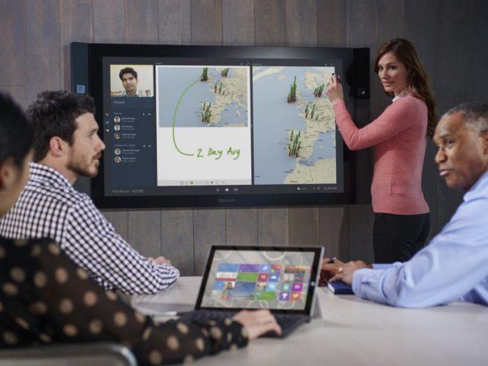 Mit dem Konferenzsystem Surface Hub will Microsoft Meetings ausstatten. (Bild: Microsoft)