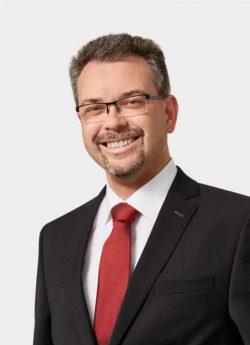 Peter Fischer (Bild: Axians)