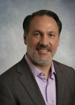 Chris Huff, der Autor dieses Gastbeitrags ist Chief Strategy Officer bei Kofax (Bild: Kofax).