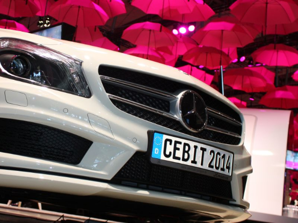 01-cebit-2014-mercedes-stand-deutsche-telekom